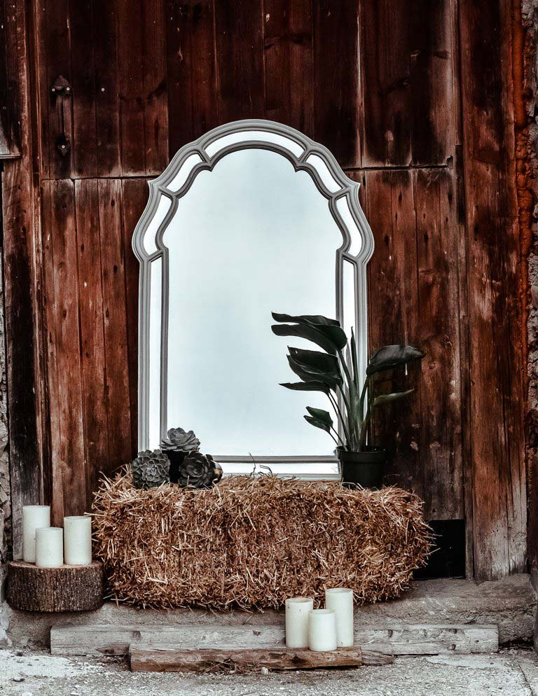 DFCL - Eco Outdoor Party Décor - Decorative Mirror Placed Outside - Photo by Jacalyn Beales on Unsplash