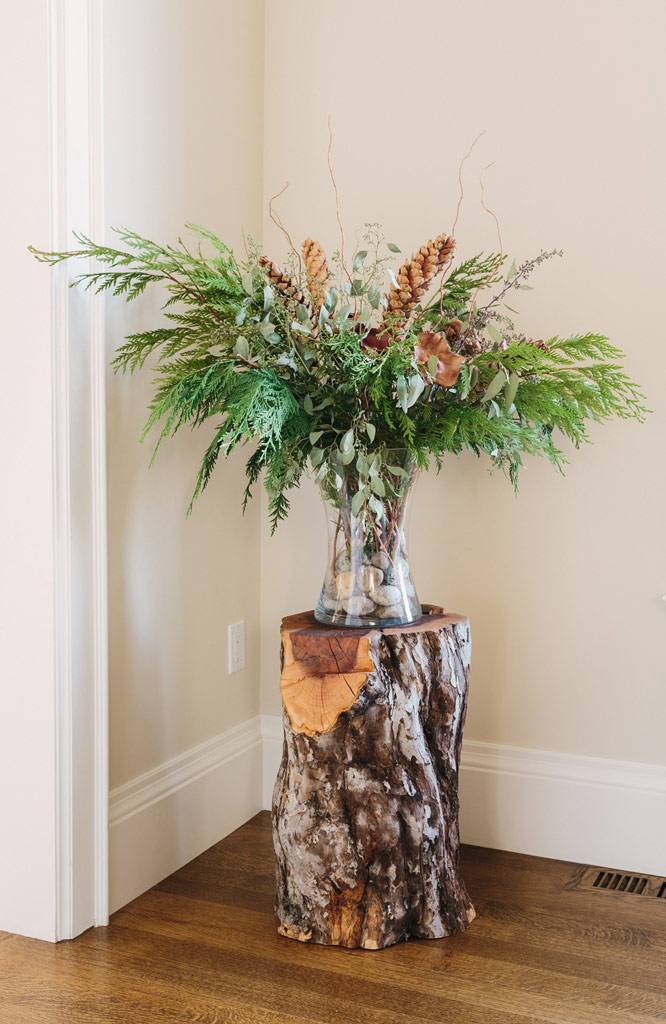 Design for Conscious Living - 5 Beautiful Ways to Decorate with Tree Stumps for Christmas - Floral